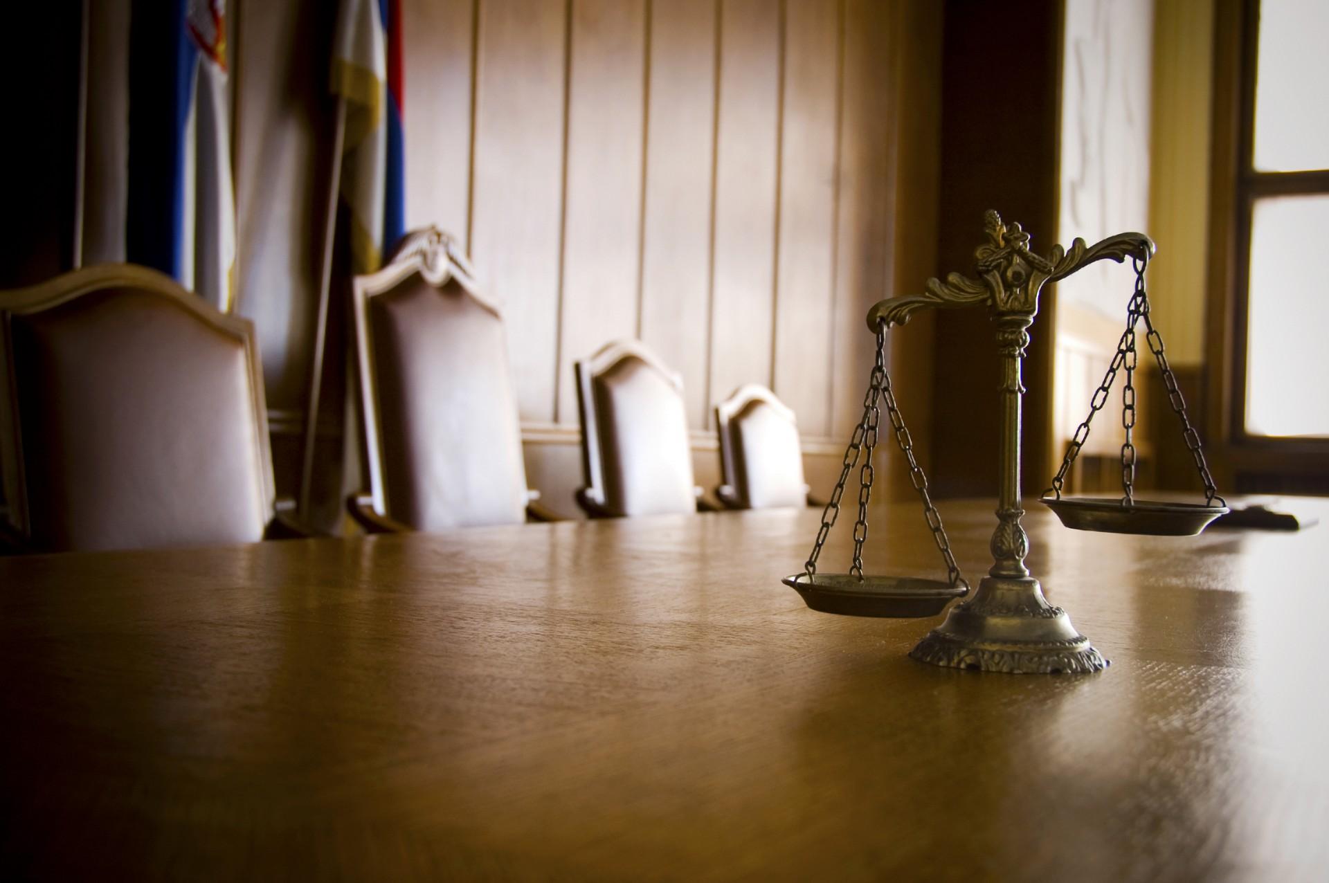 lawyer-img-04